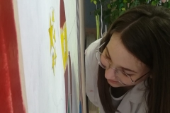 13. Si dipinge